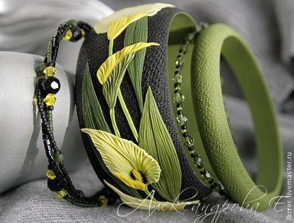 """Купить Комплект браслетов """"Каллы"""" - комплект браслетов, браслеты александровой, сплошной браслет, широкий браслет"""