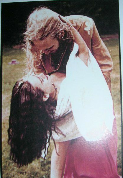 Layne Staley and Demri Parrott.  Beautiful picture :)