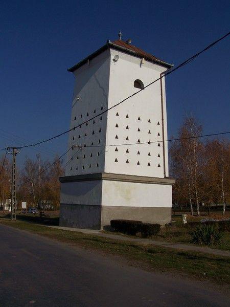 Tubus - magtár / #barn Forrás/source: http://muemlekem.hu