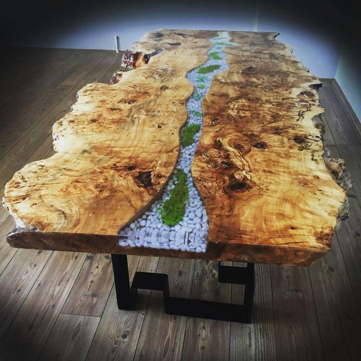 Epoxy Driftwood Table: Epoxy Table