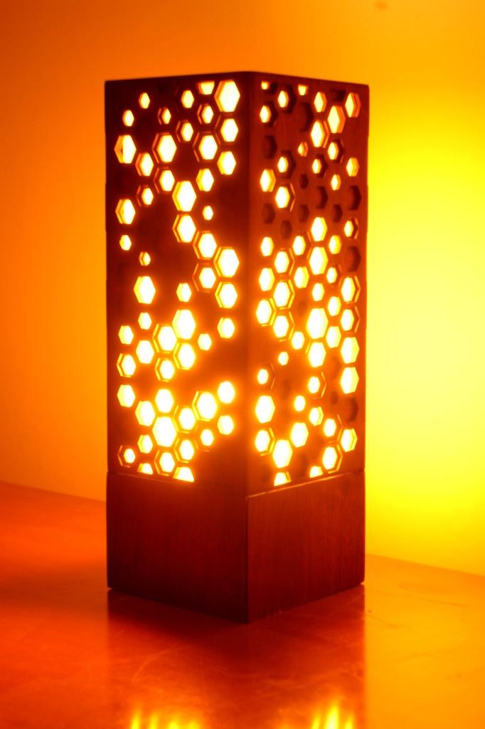 Hive Lamp - Many Photons