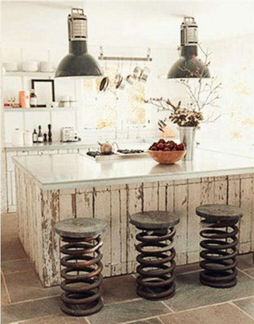 Veja algumas ideias de móveis rústicos e inspire-se! Confira como dá para fazer uma decoração linda, criativa e acessível!