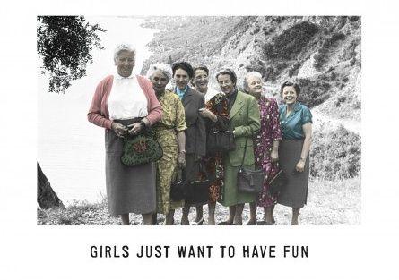 Ansichtkaart Kartoenfabriek - Girls just want to have fun - KTF1211
