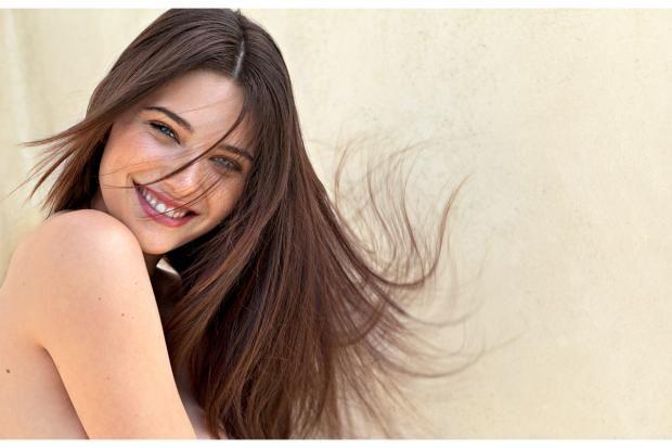 Schönes Haar braucht eine gesunde Basis. Doch unsere Kopfhaut pflegen wir meist zu nachlässig oder gar nicht. Der kluge Ansatz für gesundes Wachstum, für Glanz und Spannkraft heißt: zurück zu den Wurzeln.