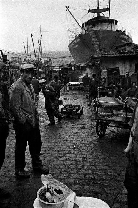 Ara Guler TURKEY. 1957. Repair wharf.