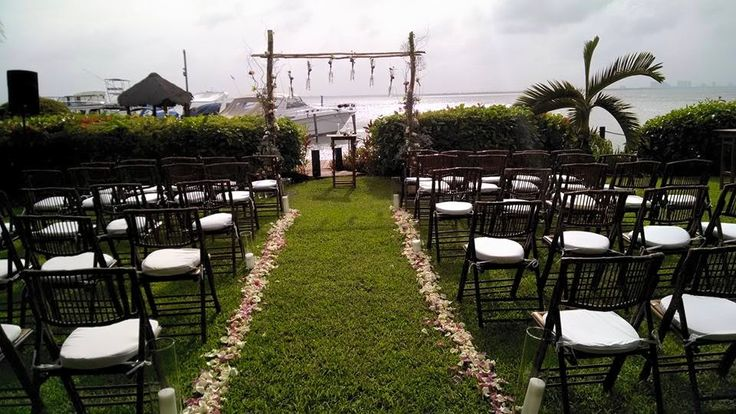 pasillo nupcial #LoveMemoriesWeddings #Weddings #BeachWeddings #DestiantionWeddings