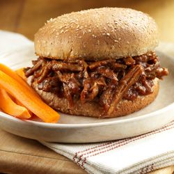 Shredded Beef Sandwiches - slow cooker (readyseteat.com)