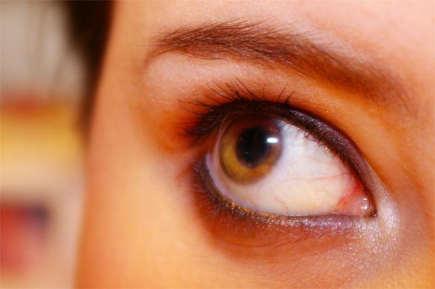 Супер простое, натуральное средство для снятия макияжа с глаз