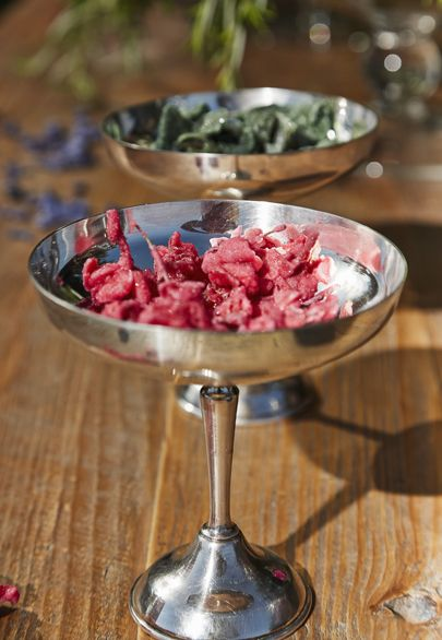 Caramelised rose petals