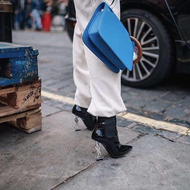 The #1 Accessories Bloggers are Wearing at London Fashion Week | #LFW #FashionWeek