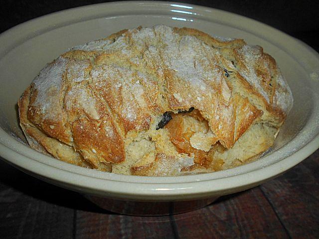 Coisas simples são a receita ...: Pão de bacalhau e azeitonas
