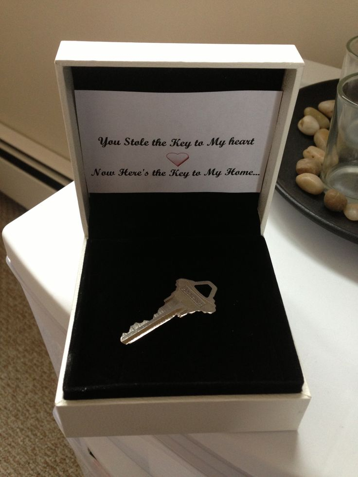 You stole the key to my heart, now here's the key to my home. Asking boyfriend or girlfriend to move in Moving in together Cute way to give a key House key