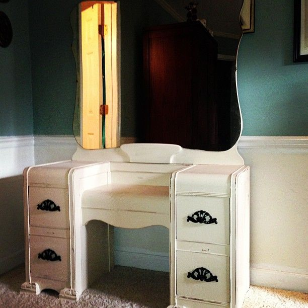 Custom Chalk Painted Waterfall Vanity With Black Hardware Cool Furniture Pinterest Home