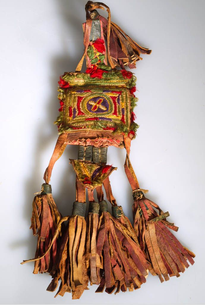 Africa | Purse; yarn, hide, fiber, pigment | Sahara Desert, Timimoun.  Algeria | Acquired 1973