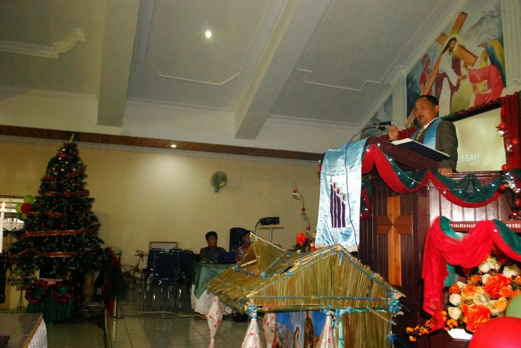 Gelar Ibadah Pra Natal, Kansil Ajak Jemaat Teladani Kaum Majusi