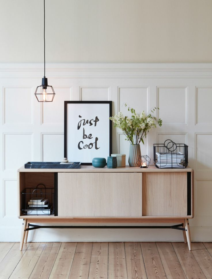Tiny suspension lamp | Do you need more ideas for your Scandinavian living room? Visit http://livingroomideas.eu/ and find the best tips