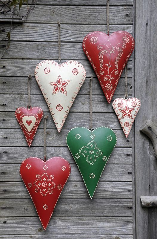 Small Cream Rustic Flower Heart: