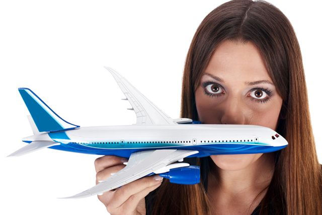 Как побороть страх, связанный с полетами. Не секрет, что даже для бывалых путешественников каждый новый перелет связан с немалым стрессом. И если один раз пережить такой волнительный опыт еще можно (и то, если дело не доходит до панических атак!), то если летать вам приходится регулярно, каждое путешествие может превратиться в локальный ад. Источник: http://vipavia.livejournal.com/7605.html