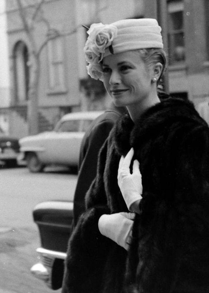 387 best royalty images on pinterest for Grace kelly fenetre sur cour