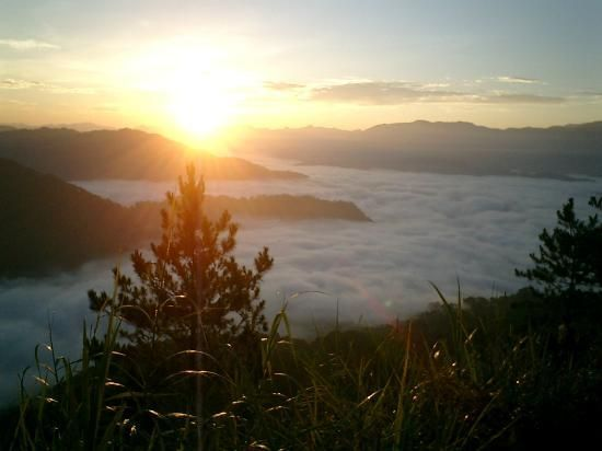 Kiltepan (sunrise over the clouds) - Sagada, Philippines