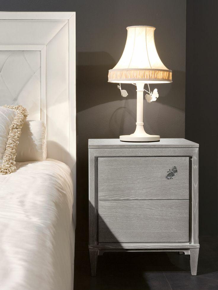 Oltre 25 fantastiche idee su comodini camera da letto su for 8 piani di casa di camera da letto