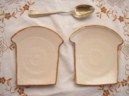 コンガリ舎 : 食パン型の小皿です   Sumally
