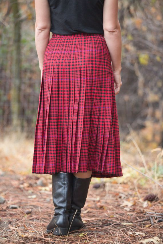 Vintage pleated skirt // wool pleated skirt by LoonyballoonVintage