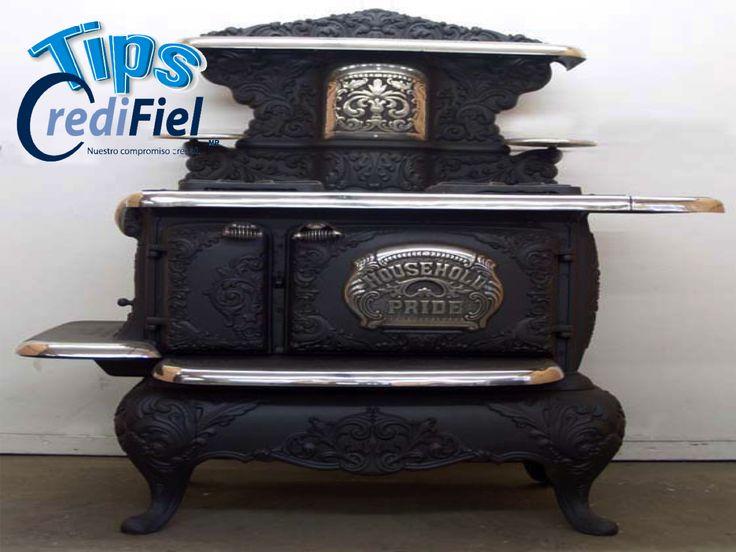 CREDIFIEL te comenta. Durante el S.XIX comenzó la era de las estufas de hierro usadas para cocinar y no sólo como calefacción. Eran máquinas enormes, provistas de tubos de escape conectados a una chimenea con una instalación para calentar agua.