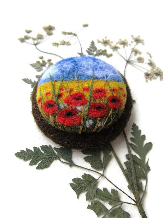 Felted landscapes Poppy flower brooch Needle felted brooch with embroidery Poppy brooch Red jewelry Wool brooch Felted jewelry Gift ideas