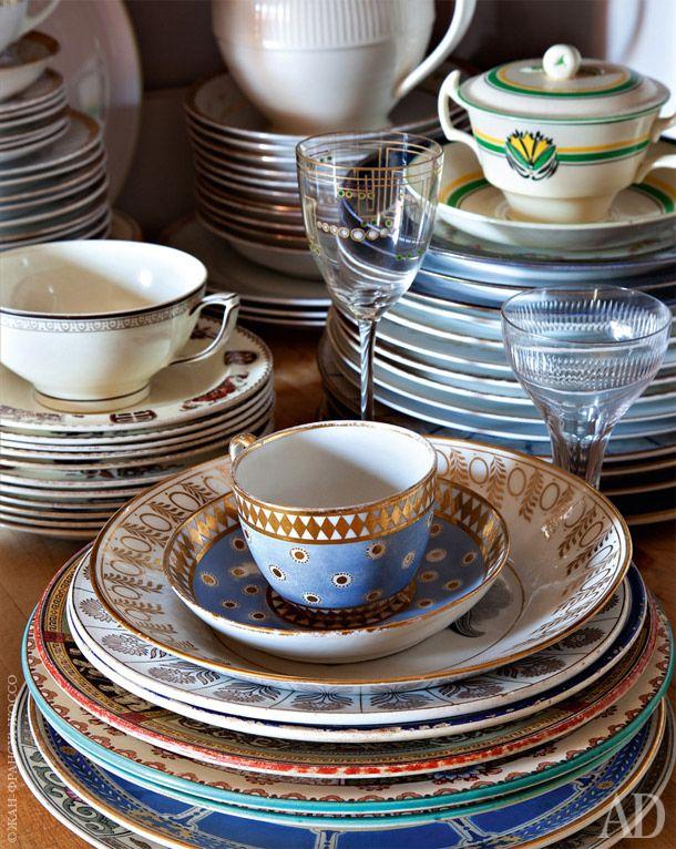 Большая часть посуды винтажная — производства мануфактуры Wedgwood XVIII, XIX и…