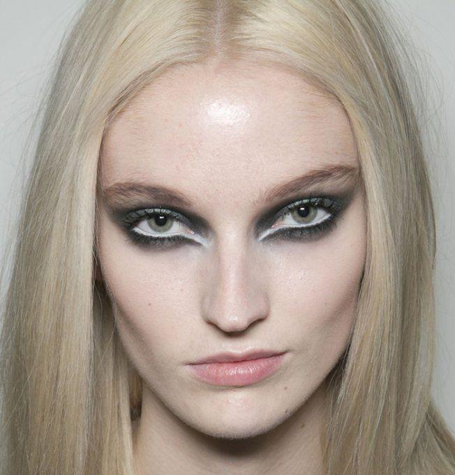 Maquillage Black Swann sur le défilé Braganza Automne-Hiver 2013-2014