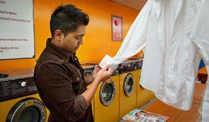 Como remover manchas de mofo e bolor das roupas