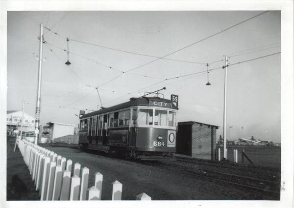 Picture of Melbourne 684 Essendon Airport Easter 1964.jpg