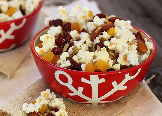 10 Healthy Snacks to Balance Your Sweet Tooth: Popcorn Trail Mix! More healthy recipes @BrightNest Blog