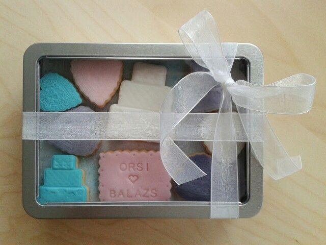 Wedding cookie box #winterwedding #sugarcookie #love #gift #cookiebox