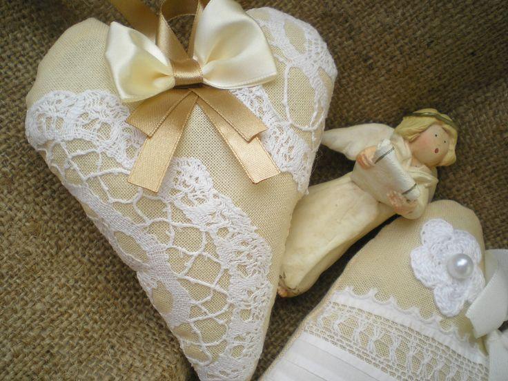 textile hearts https://www.facebook.com/pages/Var%C3%A1zsvir%C3%A1g/465323110247013?ref=hl