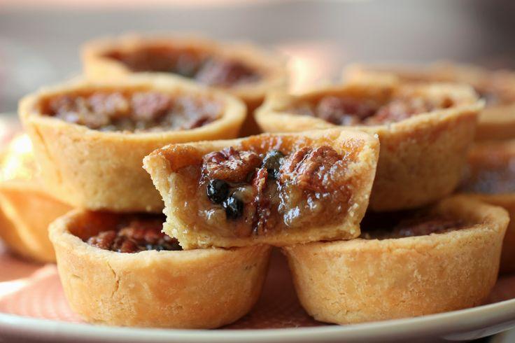 The English version of the Canadian maple-butter tarts recipe is beneath the Hungarian post. Jó hagyományhoz hűen minden utazásomból hozok …