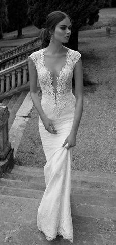 wedding dress -  www.weddingboxvenice.com  Your British/ American wedding…