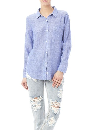 Rails is back with their soft linen long sleeve button-down. Super comfy and extremely versatile.