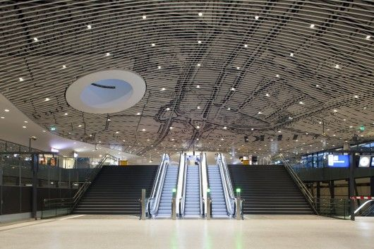 Six years afterthe original announcementof the project, thefirst phaseof Mecanoo'snew Train Station and City Hall complex in Delft, The