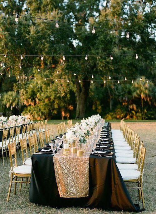 """Esta celebración en la Florida capturada por Justin DeMutiis Photography es la definición de """"Glam Moderno."""" Desde la decoración con brillo del dorado a los acentos en negro tan clásicos, hacen de este un evento memorable."""