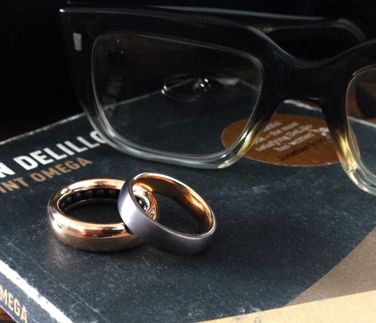 Ball Track ring (9ct rose gold, black ceramic ball bearings) & Tantulum ring (9ct yellow gold) by Sean O'Connell