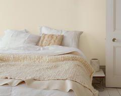 Met een neutraal palet en kleuraccenten creëer je de ideale droomsfeer voor twee