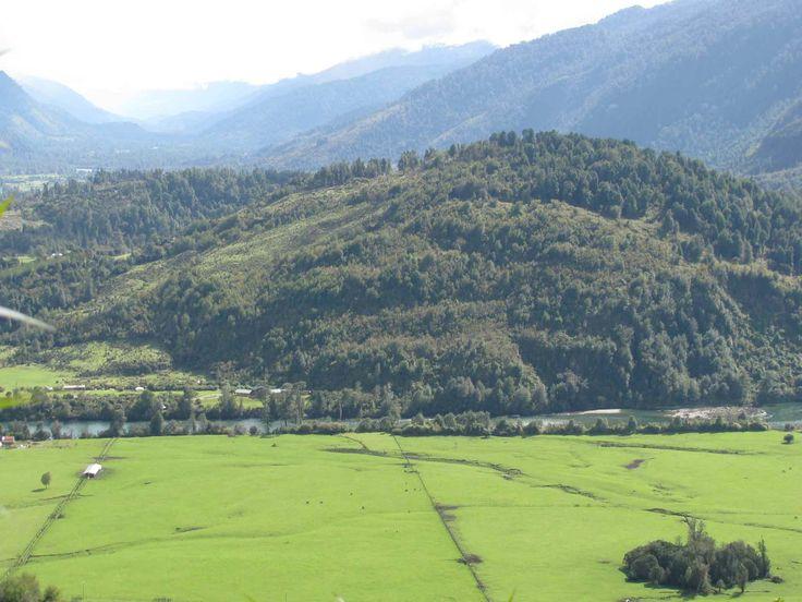 Las afueras de La Junta, Aysén. // Outside of La Junta, Aysén. (XI Región)