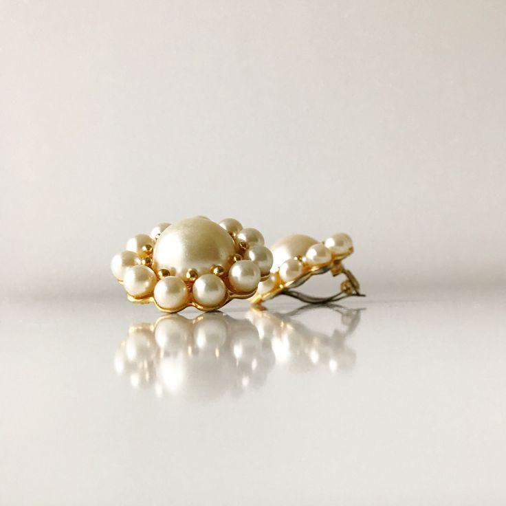 Vintage clip on glamorous earrings. by ReOSL on Etsy