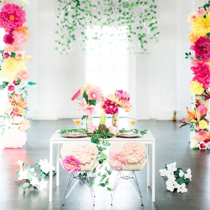 1000+ images about Tablescapes, Centrepieces and Place ...