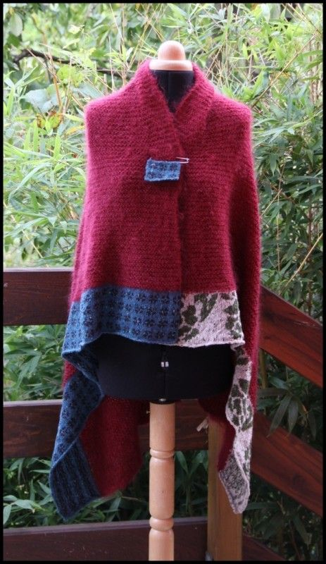 châle Colline - Ideas and Inspiration wool cape sweater upcycle