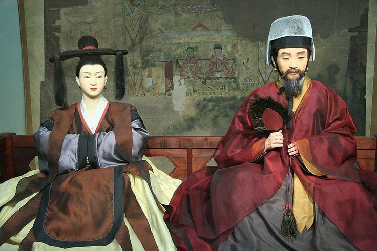 Goguryeo Korean clothing -- Three Kingdoms period. Clothing for queen and king.