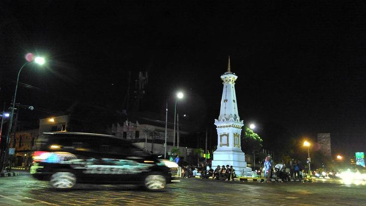 "Tugu Yogyakarta  ...""Monument located at the intersection of Jalan Sudirman and Jalan Margo Utomo , has a symbolic value and is a magical line that connects the southern ocean , the palace of Yogyakarta and Mount Merapi...""  ( Sourced from Wikipedia )  #landmark #monument #tugu #Yogyakarta #Jogja #Indonesia"