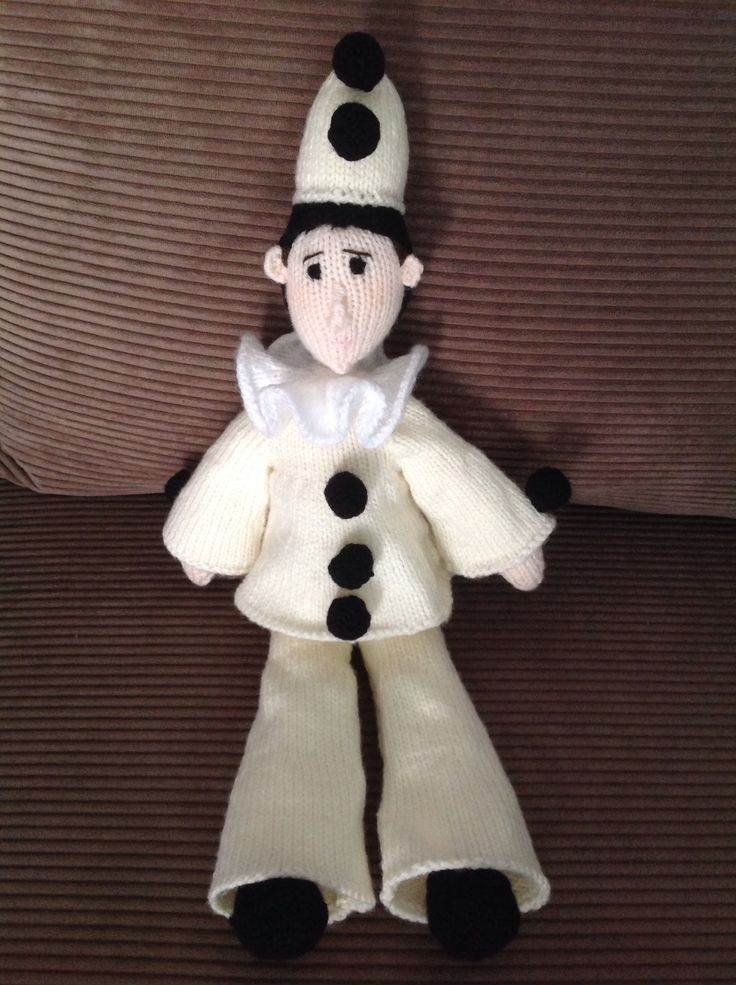 My latest #handknit An #AlanDartPattern #Pierrot Easy to knit but a bit fiddly to sew up.